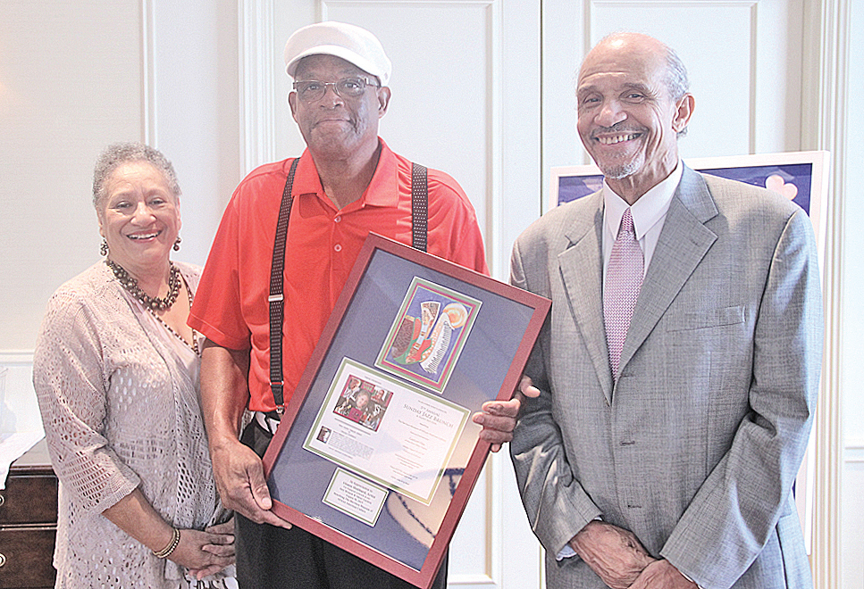 Artist Alonzo Hubbard with HMAAC board member Joyce Bolden (left) and board chair Charles Price at the Sunday Jazz Brunch, August 30 at Hotel Roanoke. (Photos by S. Hale)